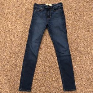 Hollister Super Skinny High-Rise Jeans